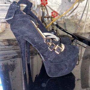 super cute shoe dazzle heels